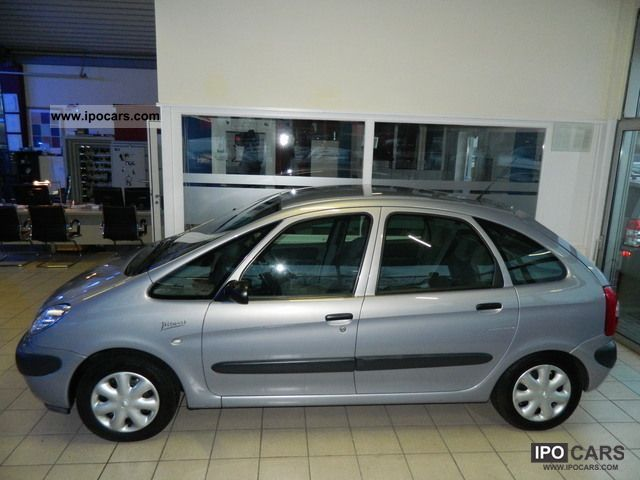 2000 Citroen  Xsara Picasso climate control winter tires from 59E Estate Car Used vehicle photo