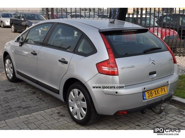 2007 citroen c4 berline 1 6 16v caractere ecc pdc trekhaak car photo and specs. Black Bedroom Furniture Sets. Home Design Ideas