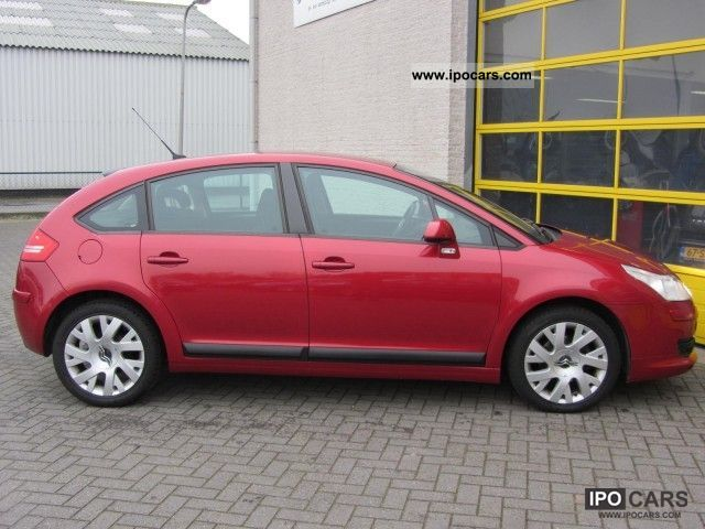 2006 citroen c4 berline vtr 1 6 hdi 110pk 17inch pdc ecc cru car photo and specs. Black Bedroom Furniture Sets. Home Design Ideas