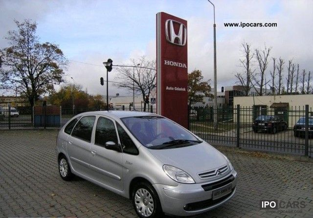2004 Citroen  Xsara Picasso PEWNE AUTO Z gwarancja Small Car Used vehicle photo