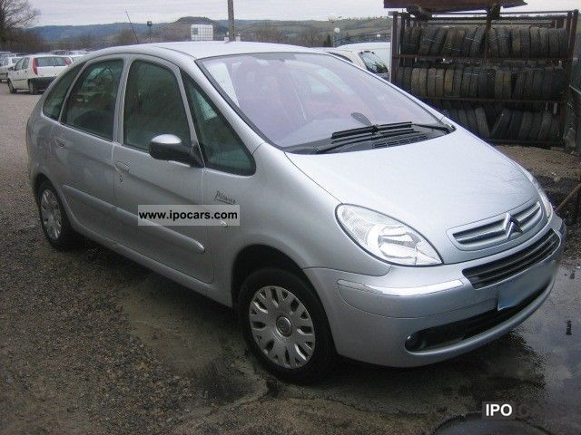 2009 citroen xsara picasso hdi 110 fap airdream car photo and specs. Black Bedroom Furniture Sets. Home Design Ideas