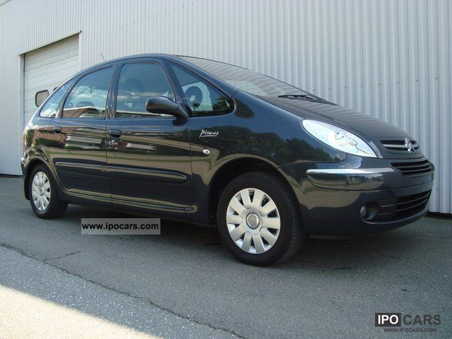 2005 Citroen  Xsara Picasso 2.0 16V Exclusive Auto Van / Minibus Used vehicle photo