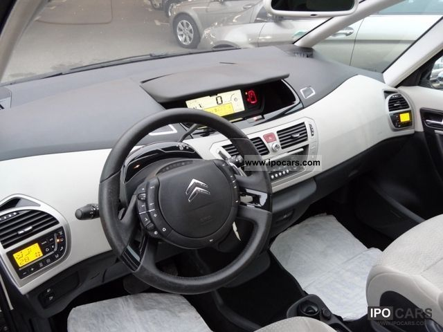 2010 citroen c4 picasso 2 0 hdi 138 fap exclusive bmp car photo and specs. Black Bedroom Furniture Sets. Home Design Ideas