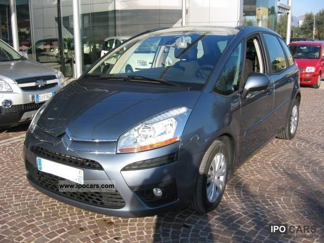 2010 citroen c4 picasso 1 6 hdi 110 fap elegance car photo and specs. Black Bedroom Furniture Sets. Home Design Ideas