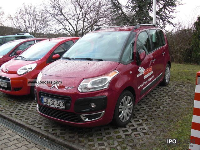 2011 Citroen  C3 Picasso VTi 120 + Exclusive Black Package Small Car Pre-Registration photo