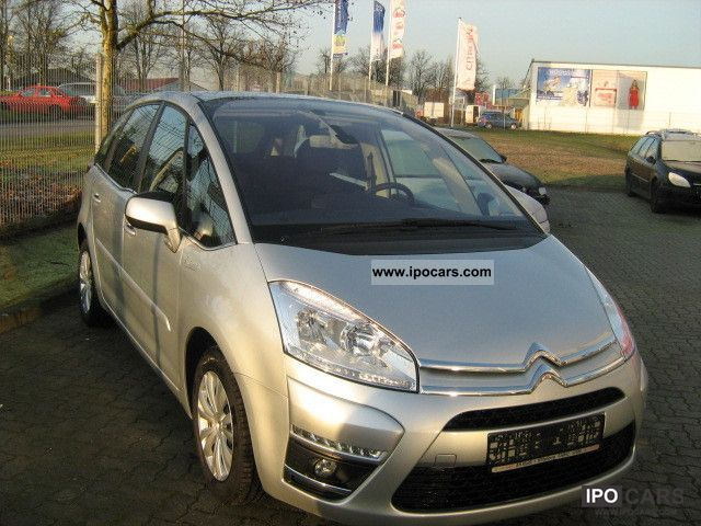 2011 citroen c4 picasso vti 120 cooltech heated seats car photo and specs. Black Bedroom Furniture Sets. Home Design Ideas