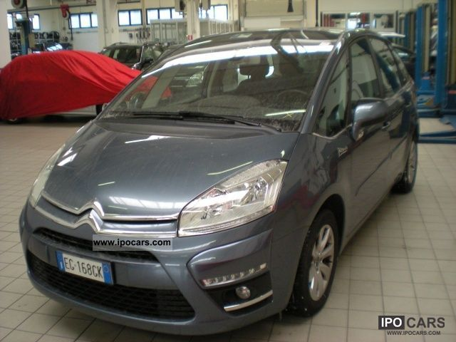2011 citroen c4 picasso 1 6 hdi 110 fap e cmp 6 seduction car photo and specs. Black Bedroom Furniture Sets. Home Design Ideas