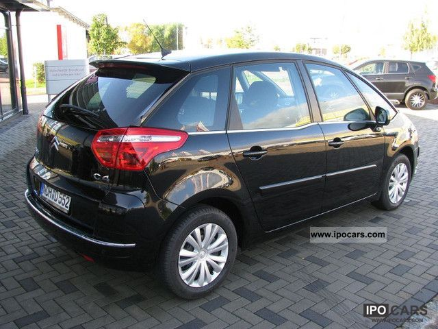 2011 citroen c4 picasso vti 120 c chic heated seats cruise control car photo and specs. Black Bedroom Furniture Sets. Home Design Ideas