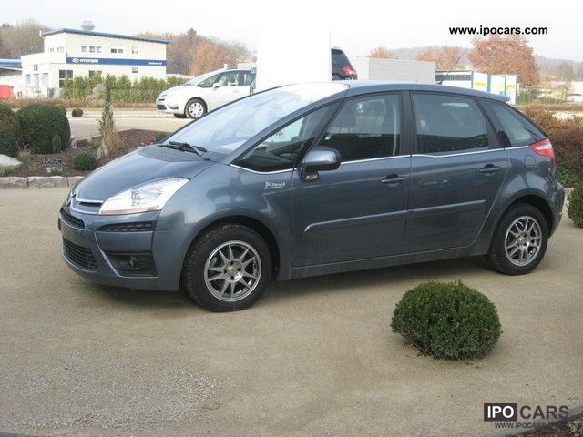 2011 citroen c4 picasso 1 6 16v car photo and specs. Black Bedroom Furniture Sets. Home Design Ideas