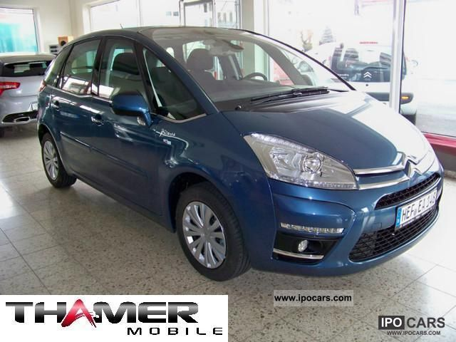 2012 citroen c4 picasso vti 120 selection car photo and specs. Black Bedroom Furniture Sets. Home Design Ideas