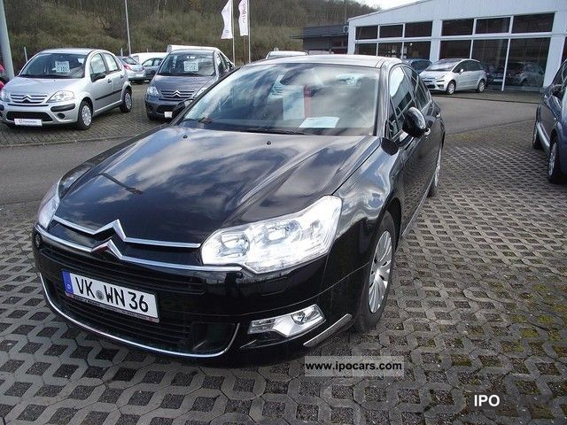 2010 citroen c5 saloon confort 1 6t car photo and specs. Black Bedroom Furniture Sets. Home Design Ideas