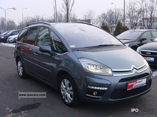 2011 citroen c4 picasso 2 0hdi exclusive aut sct 2 1 wl car photo and specs. Black Bedroom Furniture Sets. Home Design Ideas