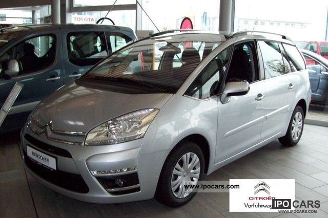 2012 citroen c4 picasso vti 120 5 seater selection car photo and specs. Black Bedroom Furniture Sets. Home Design Ideas