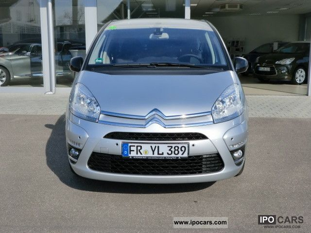 2012 citroen c4 picasso hdi 110 fap exclusive car photo and specs. Black Bedroom Furniture Sets. Home Design Ideas