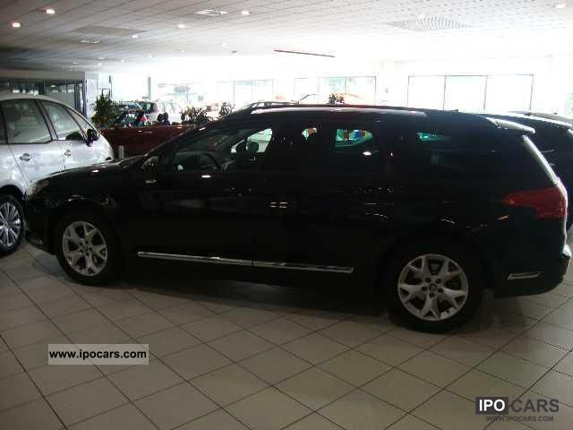2010 citroen c5 hdi 110 fap millenium touring car photo and specs. Black Bedroom Furniture Sets. Home Design Ideas