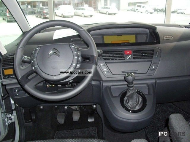 2012 citroen c4 grand picasso hdi 110 7 seater car photo and specs. Black Bedroom Furniture Sets. Home Design Ideas