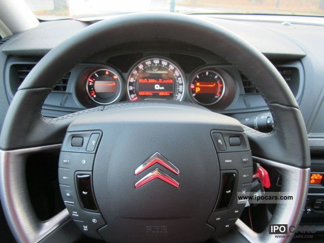 2011 citroen c5 2 0 hdi 165 fap excl auto navi xen glass roof car photo and specs. Black Bedroom Furniture Sets. Home Design Ideas
