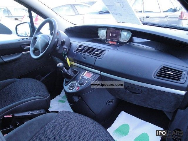 2010 Citroen C8 2.0 Exclusive FAP HDi160 7PL - Car Photo and Specs