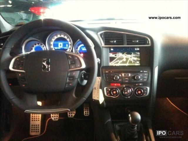 2012 Citroen Ds4 So Chic 16 Hdi 110 Options Car Photo And Specs