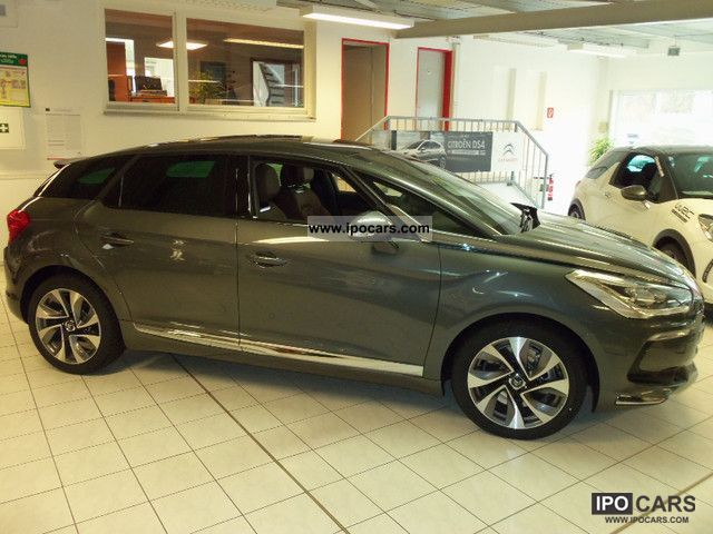 2011 citroen ds5 hdi 165 aut sport chic car photo and specs. Black Bedroom Furniture Sets. Home Design Ideas