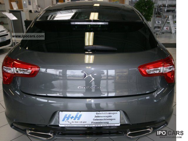2011 citroen ds5 thp 200 sport chic car photo and specs. Black Bedroom Furniture Sets. Home Design Ideas