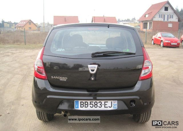 2010 dacia sandero lpg car photo and specs. Black Bedroom Furniture Sets. Home Design Ideas