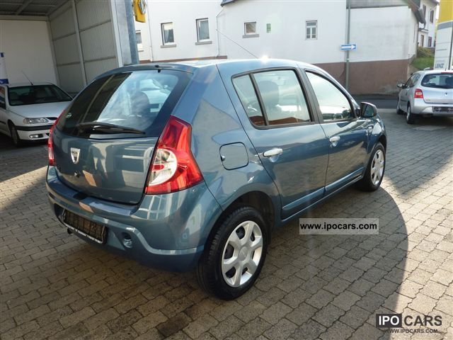 2010 dacia sandero 1 6 mpi laureate car photo and specs. Black Bedroom Furniture Sets. Home Design Ideas
