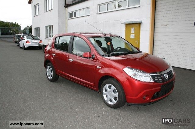 2010 dacia sandero 1 4 mpi laureate immediately car. Black Bedroom Furniture Sets. Home Design Ideas