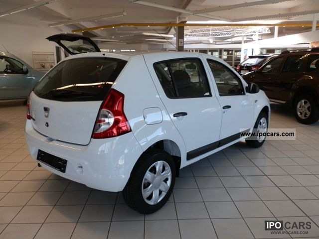 2012 dacia sandero 1 2 16v ambiance including winterkomplettr d car photo and specs. Black Bedroom Furniture Sets. Home Design Ideas