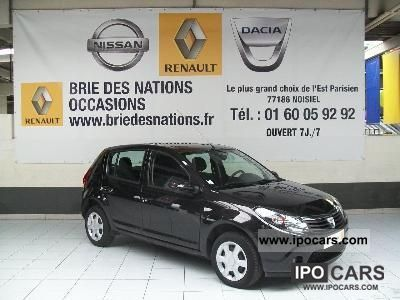 2010 Dacia  SANDERO 1.5 dCi 85 eco2 Blackline Sports car/Coupe Used vehicle photo