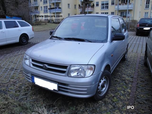 2001 Daihatsu  Cuore Small Car Used vehicle photo