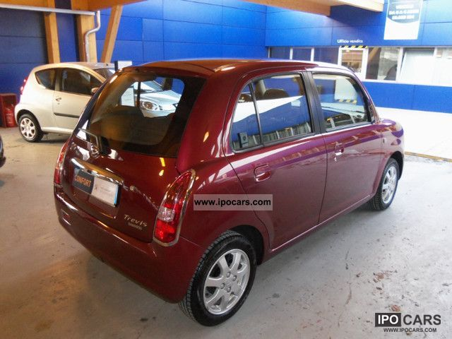 2009 daihatsu trevis 5p 1 0 euro 4 ok neopatentati car photo and specs. Black Bedroom Furniture Sets. Home Design Ideas