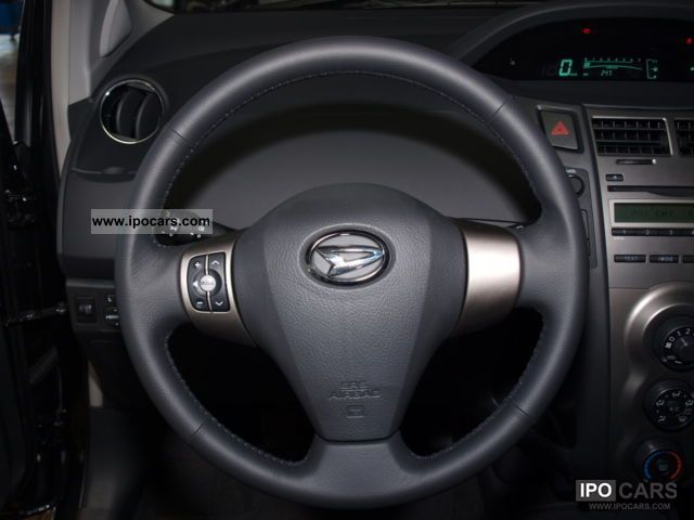 2011 Daihatsu Charade 1 33 Vvt-i 6 G  8-calc Aluminum 16-inch