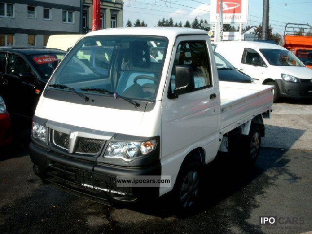 2011 Daihatsu  Piaggio Porter Hijet Pickup ABS + Servo Vertragsh Off-road Vehicle/Pickup Truck New vehicle photo