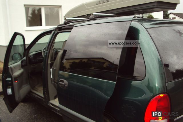 1998 Dodge  Grand Caravan Van / Minibus Used vehicle photo