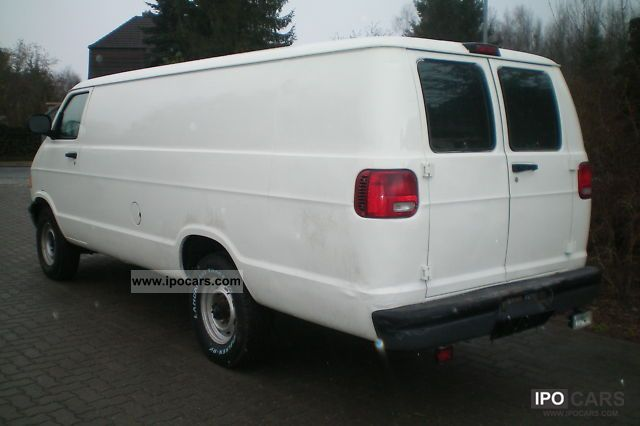 2000 dodge cargo van 3500 white car photo and specs. Black Bedroom Furniture Sets. Home Design Ideas
