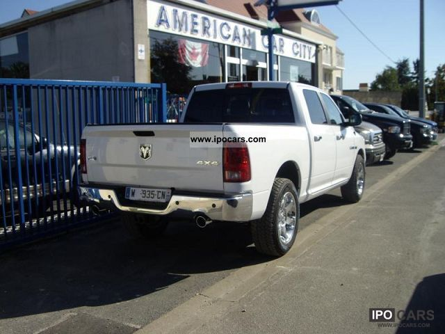 2012 dodge ram 1500 laramie car photo and specs. Black Bedroom Furniture Sets. Home Design Ideas