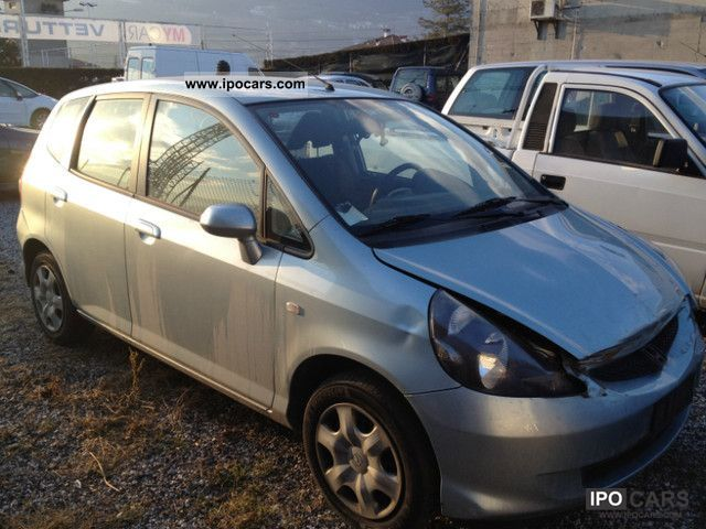 2005 Honda  Jazz Small Car Used vehicle photo