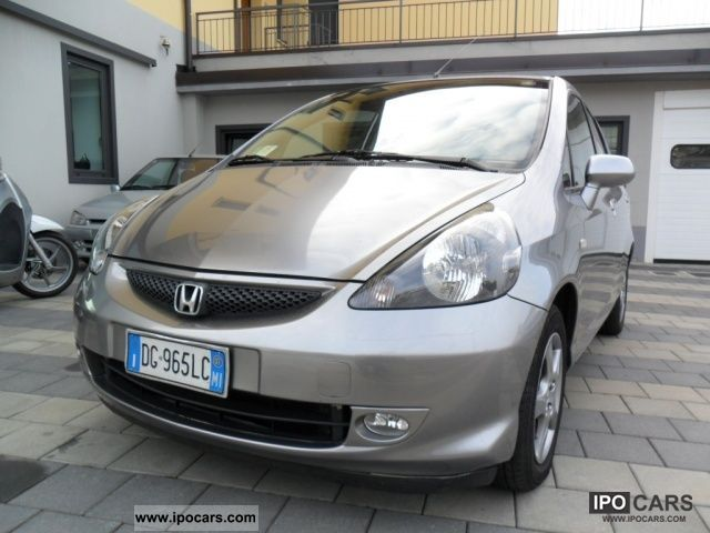 2007 Honda  Jazz 1.2 i-DSi 5p. Live + Limousine Used vehicle photo