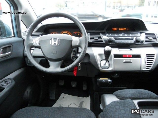 2005 Honda Fr V 1 7i Comfort Car Photo And Specs