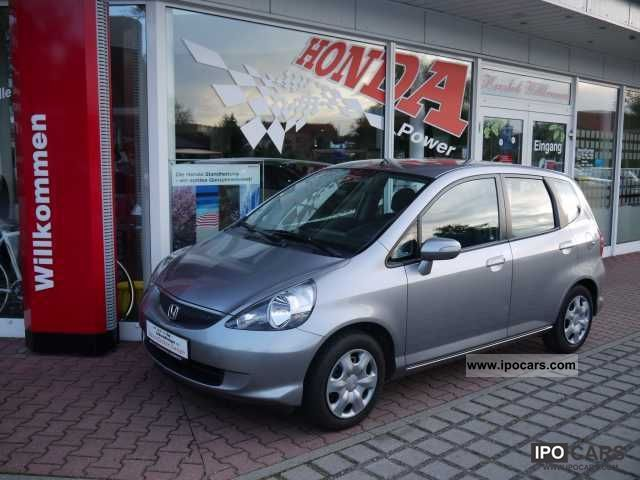 2006 Honda  Jazz 4.1 LS Van / Minibus Used vehicle photo