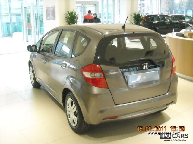 2011 honda jazz 1 2 trend km0 car photo and specs. Black Bedroom Furniture Sets. Home Design Ideas