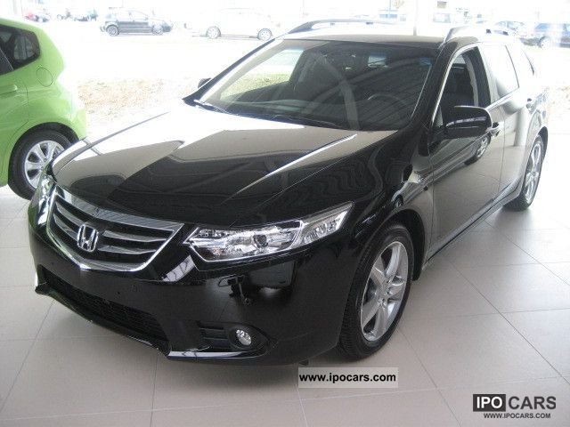 2012 Honda  Accord Tourer 2.0 Elegance edition 50 years Estate Car Demonstration Vehicle photo