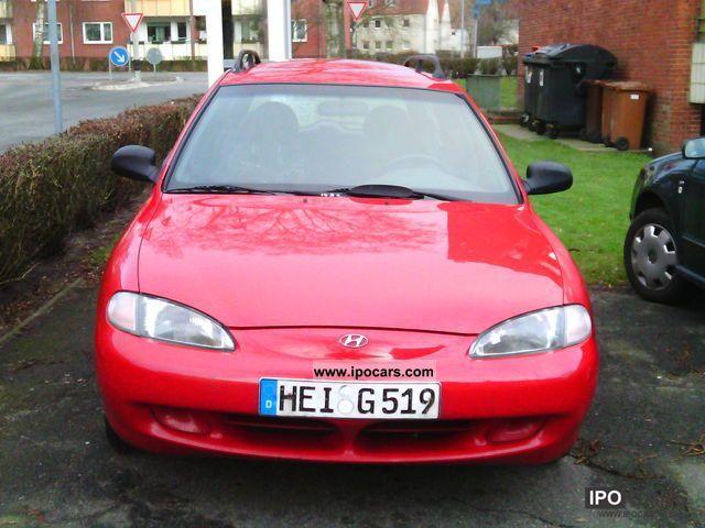 1996 Hyundai  Lantra Combi 1.6i Estate Car Used vehicle photo