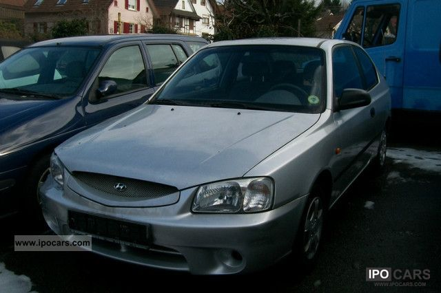 2000 Hyundai  Accent 1.3i L 1Hand D4 only 24.000km Limousine Used vehicle photo