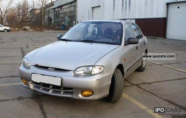 1998 Hyundai  Accent Other Used vehicle photo