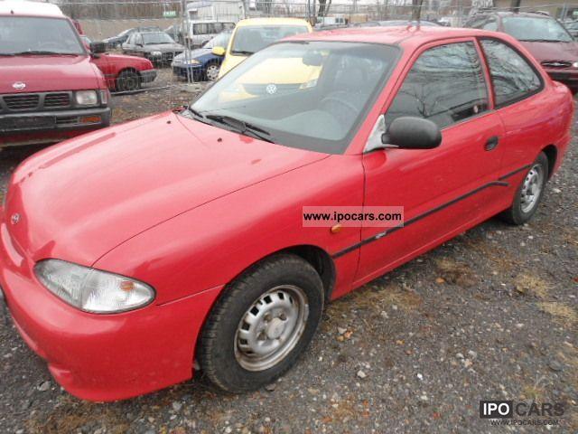 1995 Hyundai  Accent Limousine Used vehicle photo