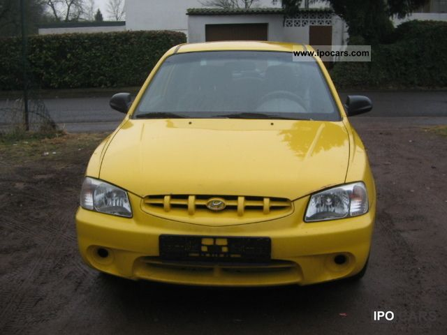 2002 Hyundai  Accent 1.3i GS Euro3 Limousine Used vehicle photo