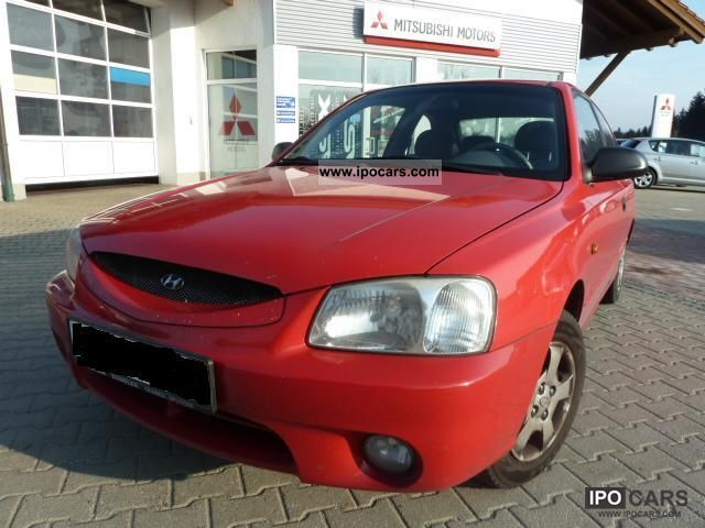 2001 Hyundai  Accent 1.3i * Air conditioning * Limousine Used vehicle photo