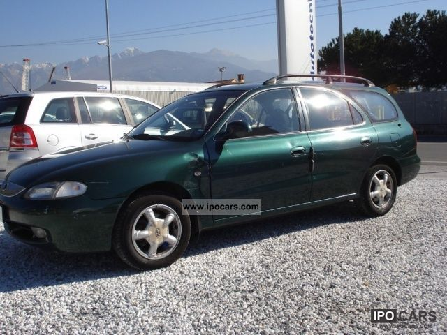 1998 Hyundai  Lantra 1.6i 16V cat S.W. GLS Comfort Estate Car Used vehicle photo